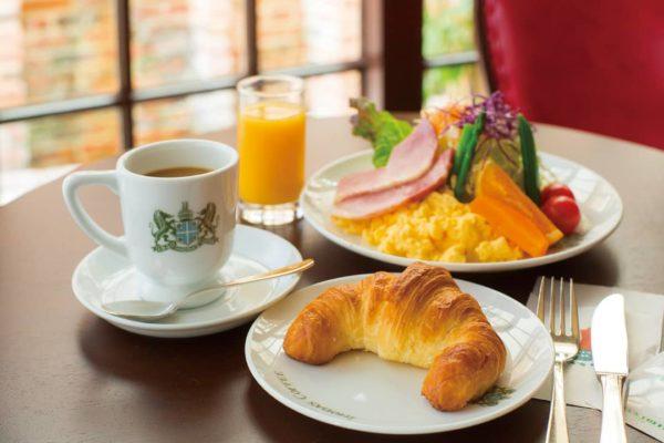 نخوردن صبحانه و شام دیرهنگام
